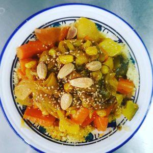 Couscous aux légumes de saison + tfaya  + 1 viande au choix