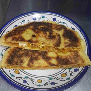 Pain farci à la kefta ou poulet et fromage